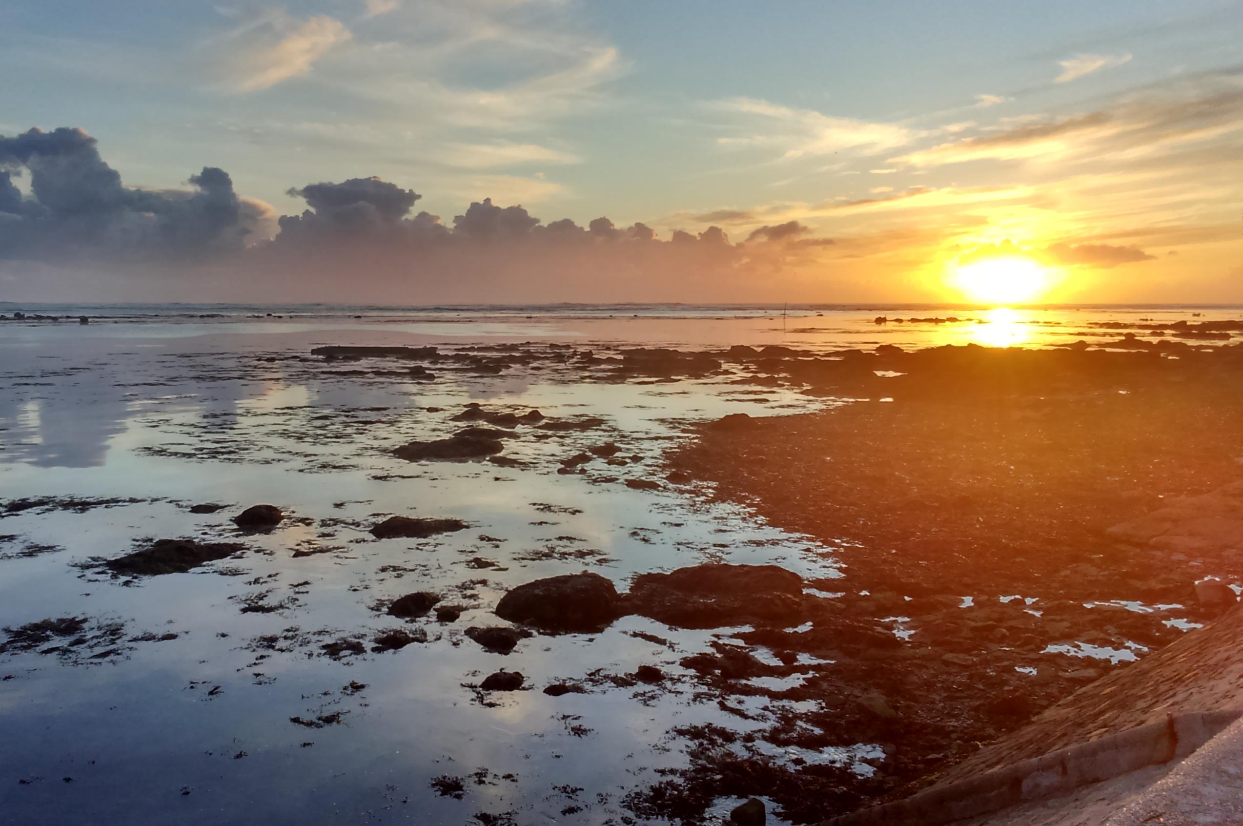 coucher de soleil au port de Kérity